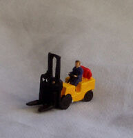 P&D Marsh N Gauge N Scale X68 Gas powered forklift truck painted