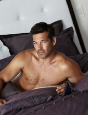 Eddie Cibrian UNSIGNED photo - 8918 - TOPLESS!!!!!