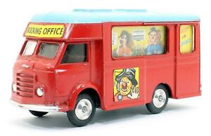 CORGI TOYS NO.426 CHIPPERFIELDS CIRCUS MOBILE BOOKING OFFICE