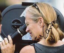 AUTOGRAPHE SUR PHOTO 20 x 25 de Jane CAMPION (signed in person)