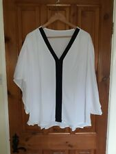 "UNBRANDED size 20 /22 White Batwing Top -worn Once Vgc (underarm 25"")"