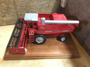 IH axial flow 1460 combine farm toy INTERNATIONAL on plaque mild custom  1/32