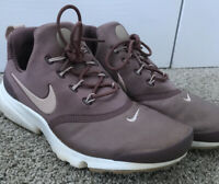 Nike Presto Fly Womens Size 7.5 Sneakers Smokey Mauve 910569 203 Athletic Shoes
