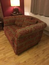 DURESTA READING CHAIR / LOVE SEAT GOOD USED CONDITION