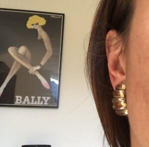 Vintage 90s  Gold Clip Chunky Hoop Huggie clip Earrings