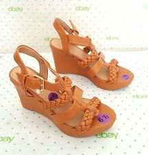 R Report Wedge OBOE Sandals Tan Size 6.5M