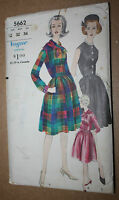 1960s VINTAGE SEWING PATTERN VOGUE 5662 ONE PIECE DRESS SIZE 12 BUST 32 HIP 34