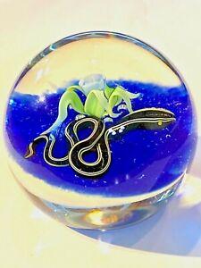 ORIENT & FLUME BRUCE SILLARS SNAKE & FLOWER GLASS PAPERWEIGHT 1984 CGIA+
