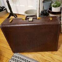 """Vintage 50's/60's 24"""" SAMSONITE Alligator Skin Luggage Suitcases Style 4135 NICE"""