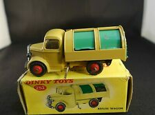 Dinky Toys GB 252 camion Bedford refuse wagon truck version avec vitres en boite