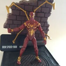 "MARVEL Universe Iron Spiderman 3.75"" Action Figure LEGGENDE/infinita"
