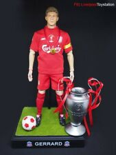 Steven Gerrard 1/6 UCL 2005 Istanbul Liverpool Football Figure With Trophy