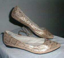 WHITE MOUNTAIN TRUTH SNAKE PATTERN METALLIC GOLD POINTY FLAT SHOES SIZE 11 M
