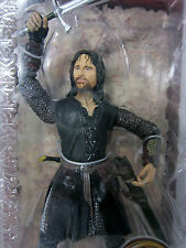 The Lord Of The Rings ARAGORN HELM'S DEEP WITH SWORD SLASHING ACTI TTT LOTR NEW
