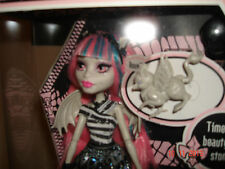MONSTER HIGH ROCHELLE GOYLE DAUGHTER OF A GARGOYLE DOLL & PET