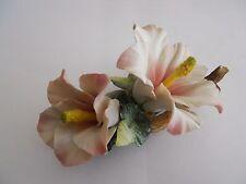 Porzellan Zierporzellan figürlich  Blumen Gesteck Tischdeko