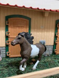 RARE RETIRED Schleich Pinto Icelandic stallion