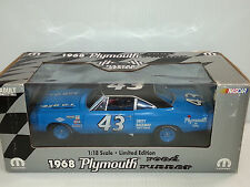 1:18 ERTL LIMITED EDITION  1968 PLYMOUTH ROAD RUNNER RICHARD PETTY #43