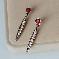 Boucles d`Oreilles Clous Doré Rouge Baton Pavé Rouge Simple  Fin A17