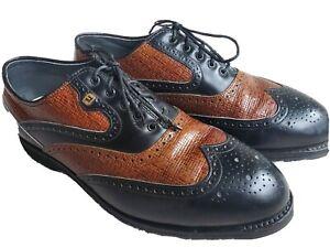Footjoy Classics spikeless golf shoes 9.5.  VINTAGE! RETRO! Excellent condition.