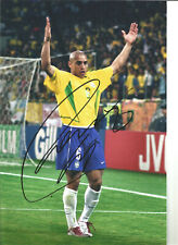 Roberto Carlos Brazil Signed 12 x 8 inch authentic football photo SS1091