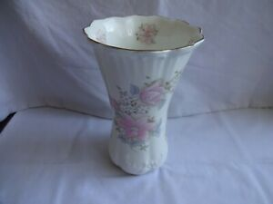 "Vintage Staffordshire ""Flower"" Design Vase Height 18 cm Diameter 11 cm"