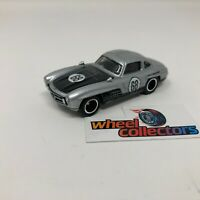Mercedes-Benz 300 SL * 1:64 Scale Diecast Model Diorama Hot Wheels * F1701