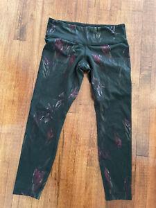 Lululemon Wunder Under Size 8-10 Black/Purple/Green Pattern Leggings