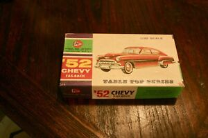 Vintage Pyro 1952 Ford Chevy Fas-back  Unbuilt  Kit C293-50  日本へ送れます