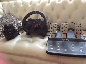 Logitech G29 Racing Steering Wheel, Pedals and Shifter for PS3 and PS4