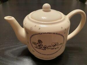 Disney Michel Classic Winnie the Pooh Teapot Christopher Robin Piglet Tea Pot
