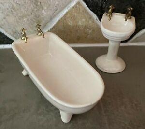 Dollhouse Miniature Tub Bathroom White Vintage Antique Porcelain Sink  (*36)