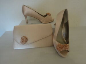 JACQUES VERT LIGHT PEACH SATIN SHOES AND MATCHING BAG SIZE 6 -NEW