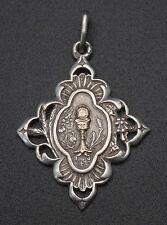 Ancienne médaille religieuse pendentif argent massif et or calice communion (2)