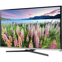 "Refurbished Samsung UN40J5200AFXZA Series 40"" 1080p 60Hz LED Smart HDTV"