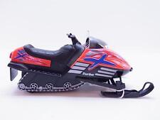 13949   Schneemobil Snowmobil orange Modellauto 1:18 Geschenk Skifahrer NEU