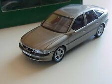 Opel Vectra B Schuco 4-tür.  Schrägheck  in Werbe Verpackung 1:43 hellbeige/gold
