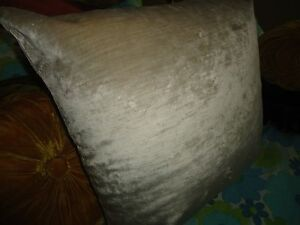 HEAVY PLATINUM/NEUTRAL VELVET MODERN (1) PILLOW COVER 21 X 21 RETRO
