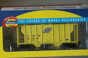 ATHEARN PS 2600 2 BAY COVERED HOPPER CHICAGO & NORTHWESTERN CNW 95824
