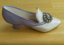 Just The Right Shoe by Raine 1998 Lavender Jeweled Heel Pump #25011 Willitts