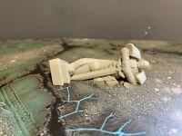 warhammer 40k / Age of sigmar style terrain scenery Fallen Space Marine Statue