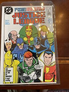 Justice League #1 (1987, DC) Copper Age, 1st Maxwell Lord