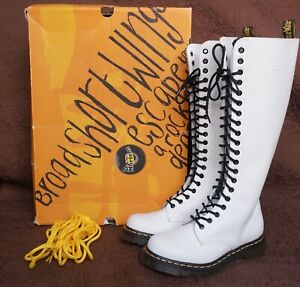 NEW DR MARTENS 1B60 SMOOTH WHITE LEATHER KNEE HIGH BOOTS SZ 6 PUNK WEDDING
