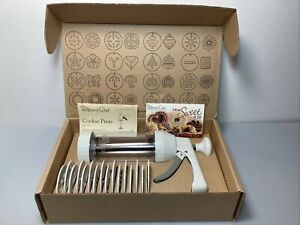 The Pampered Chef COOKIE PRESS #1525 ~ NEW IN BOX 16 Cookie Shapes