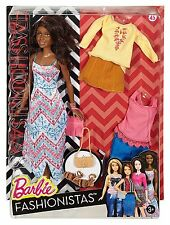 "Barbie DTF08 fashionistas boho flecos Muñeca"""""
