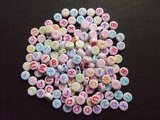 100pz misti Alfabeto / lettere di perline bianche 7x3mm