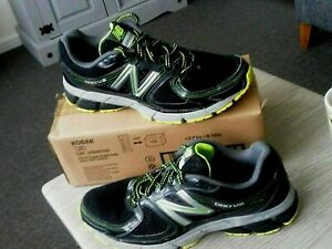 MENS  New Balance 680 V2 Running Trainers  - UK Size:= 9