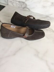 Ladies Cotton Traders Shoes  Size 7, Excellent Condition.