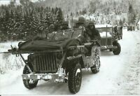 WW II  Usa  Photo --   Willy Jeep With Wounded Soldier ...