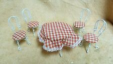 DOLLHOUSE MINIATURES WHITE METAL TABLE+ 4 CHAIRS W/ MATCHING TABLE CLOTH #37